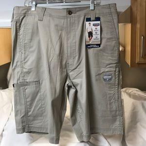 DENIZEN.  38.  Men's cargo shorts.